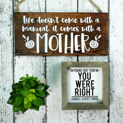 Mother's Day Gift Ideas for Silhouette & Cricut: Make an easy sign for Mother's Day with your silhouette or cricut. #mothersdaysilhouette #mothersdaycricut #mothersdaysvg
