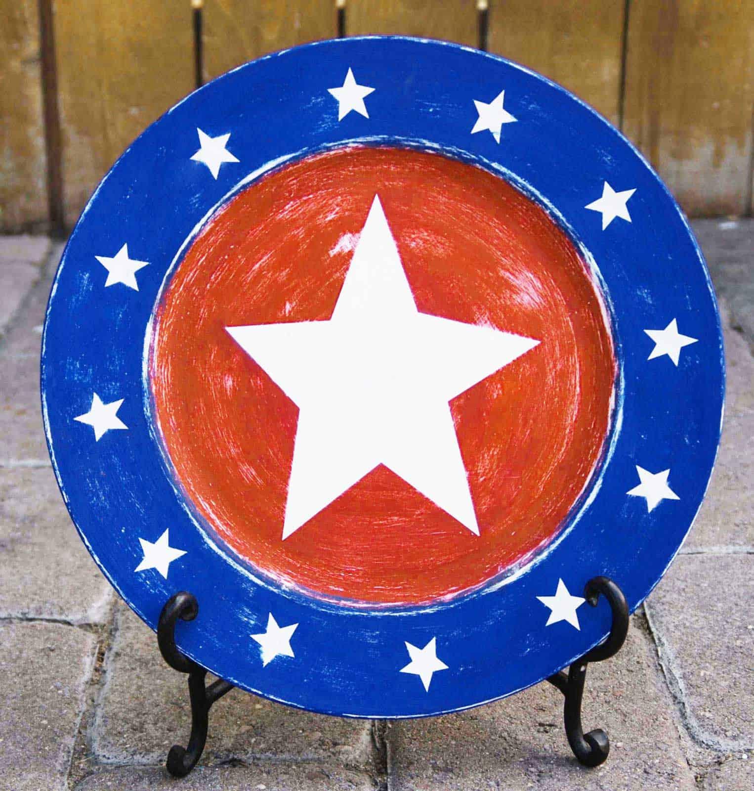 DIY Patriotic Charger by Burton Avenue