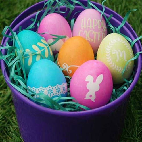 Decorate your Easter Eggs with pretty designs with your Silhouette, Cricut, or Brother Cutting Machine. This Easter project is quick and easy and super fun to do. #eastersilhouetteprojects #easterprojects #easterbrotherprojects
